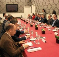 Los ponentes sondearon las posibilidades de Andalucía para exprimir las tecnologías vía satélite.