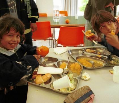Un comedor gestionado por la Diputación de Sevilla para los niños de El Vacie.