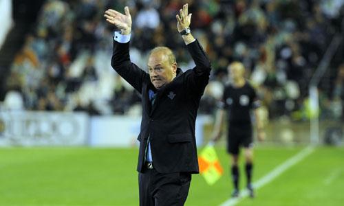 Pepe Mel alza los brazos (Marcamedia).