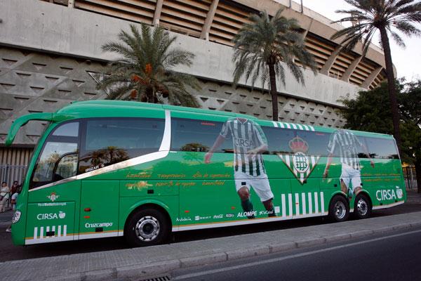 El autobús del Betis lleva dos multas seguidas.