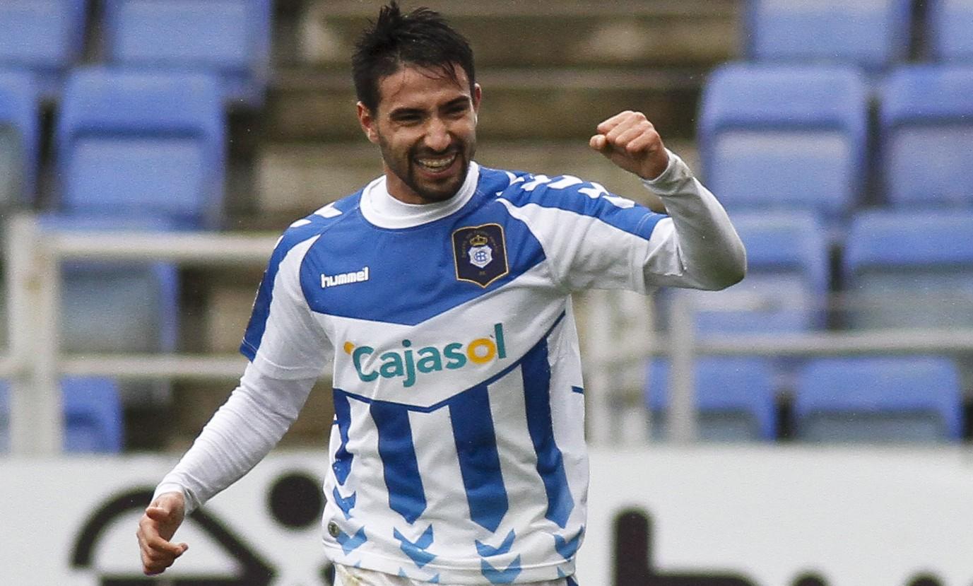 Chuli celebra un gol con el Recreativo / Marcamedia