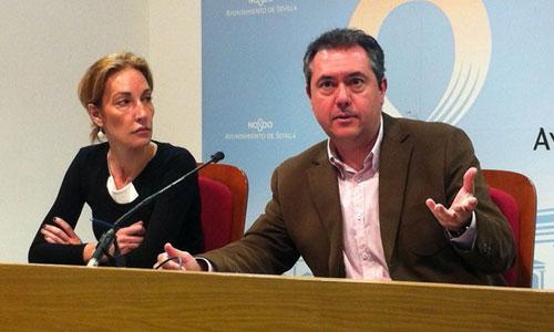 Juan Espadas y Susana López, ayer en rueda de prensa.