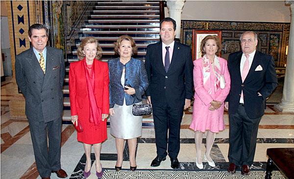 Fernando de Parias Merry; Ivita Halcón; la marquesa de San Joaquín; Carlo Suffredini, director del Hotel Alfonso XIII; y los condes de la Mesada