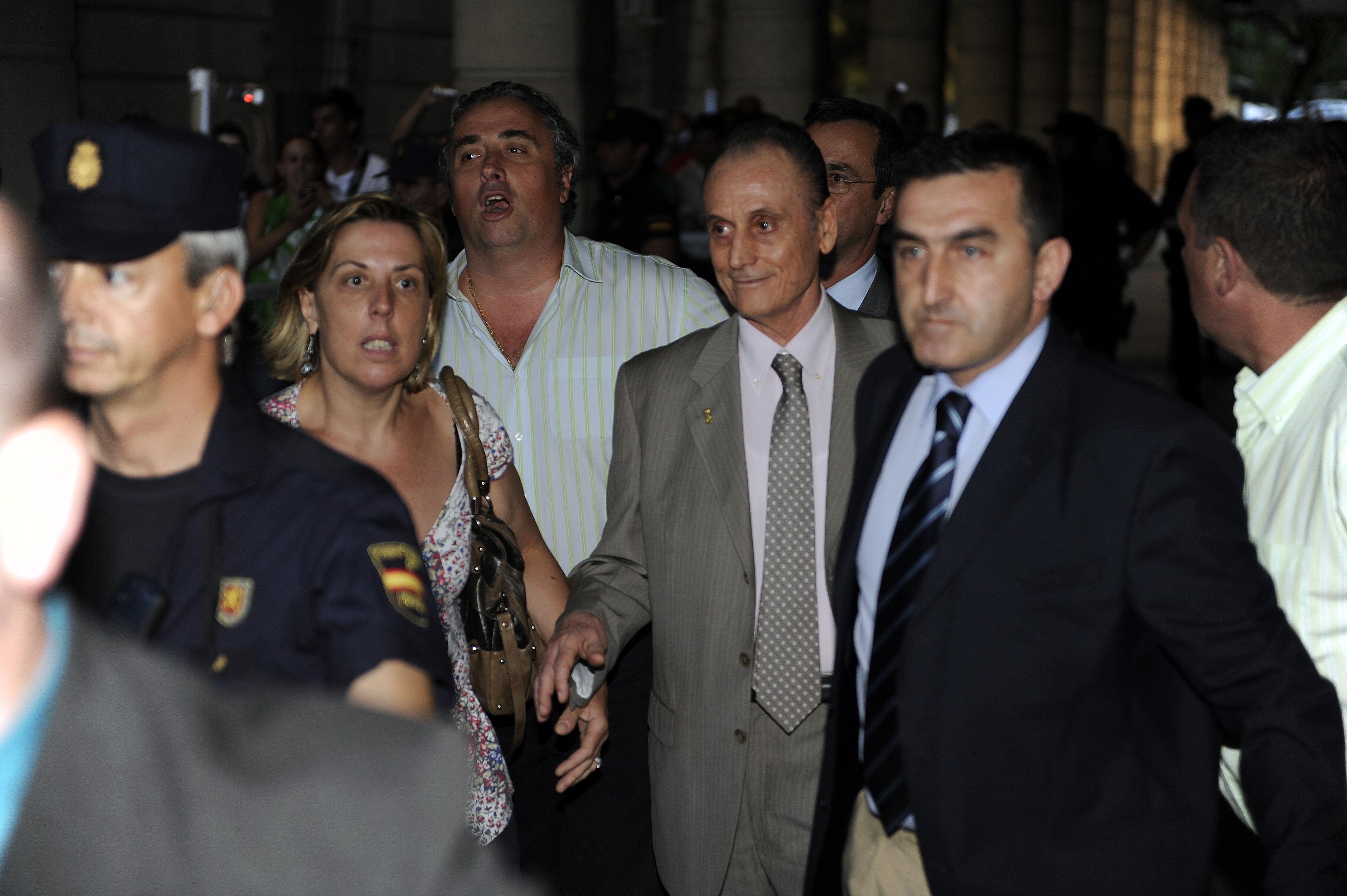 Manuel Ruiz de Lopera sale de los juzgados en 2010 / Marcamedia