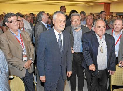 Pastrana ayer en el congreso regional con el presidente José Antonio Griñán y Cándido Méndez.