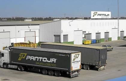Instalaciones de Transportes Pantoja, en Santiponce. / J. M. Espino (Atese)