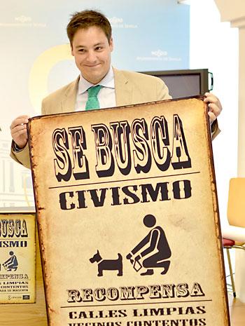 El delegado del Distrito Sur, José Luis García, presenta la campaña. / E. P.