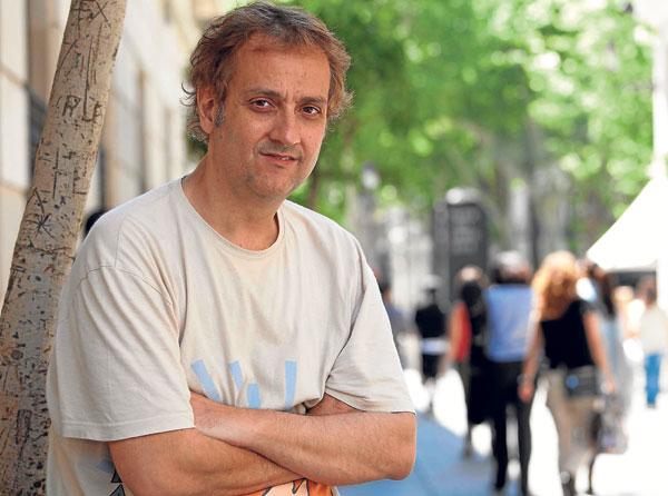 Juan Madrid, un clásico de la novela negra de visita por Sevilla. / José Carlos Cruz (Atese)