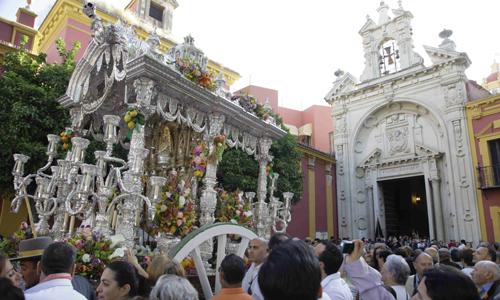 La Macarena pasa por el Gran Poder antes de abandonar Sevilla. J.M. Espino (Atese)