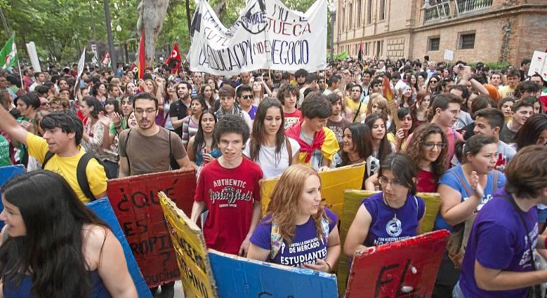 Protesta de jóvenes estudiantes.