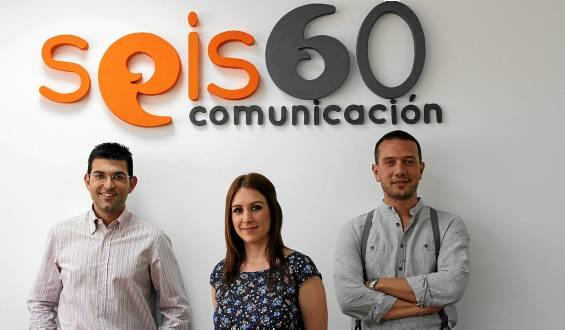 Borja Gómez, director de relaciones externas, Alicia Casado, directora, y José Luis Fernández, director técnico de Seis60 Comunicación. / El Correo