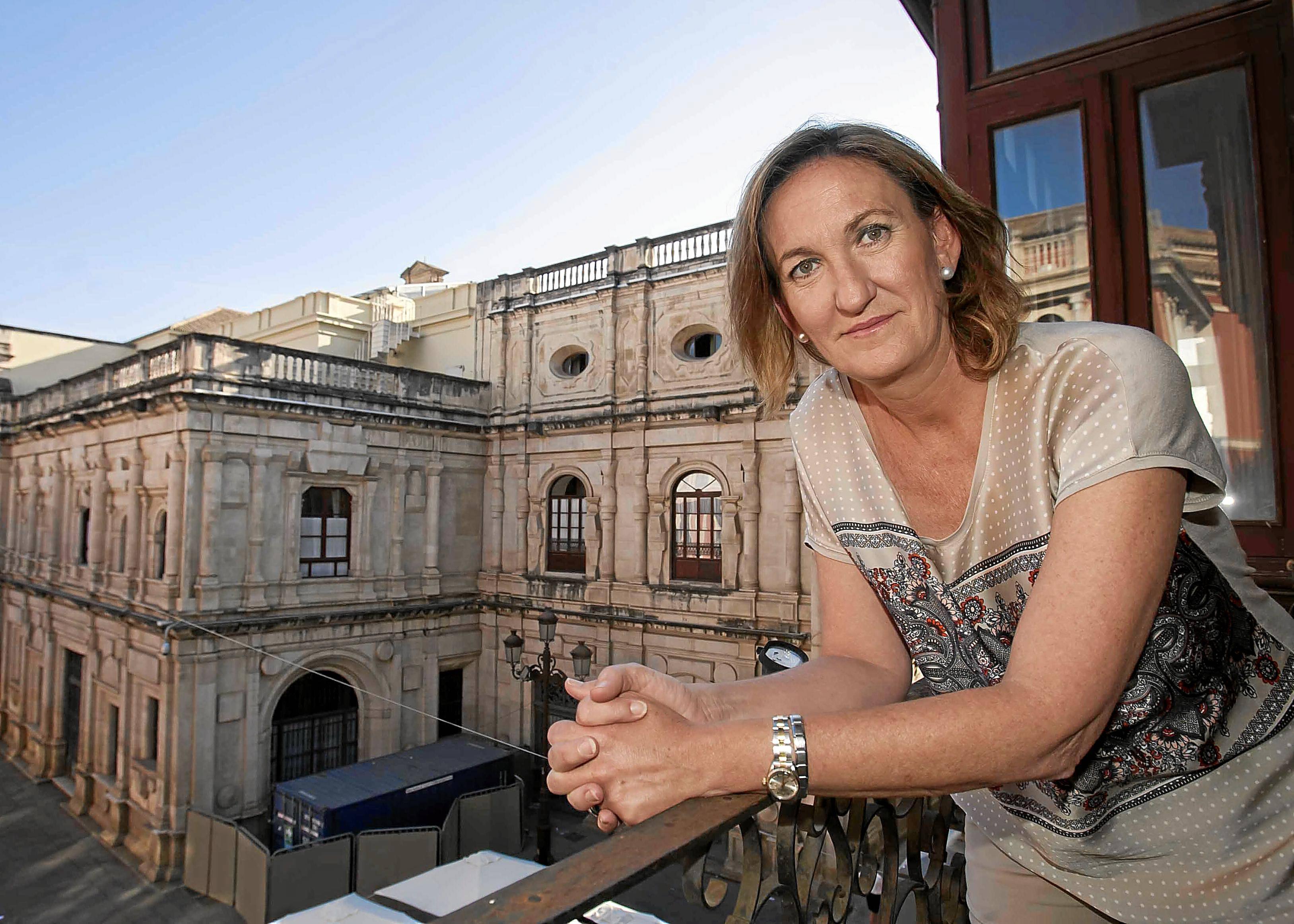 Sevilla 06 06 2013: Entrevista a la  Delegada de Cultura Juventud y D