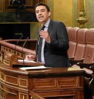 El socialista Mario Jiménez interviene en la tribuna del Congreso