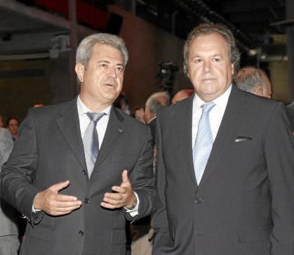 El exconsejero Francisco Vallejo con el entonces presidente de Invercaria, Pérez-Sauquillo.