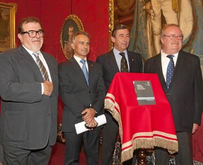 Rodríguez de la Borbolla, Hurtado, León y Serrera durante la Presentación del libro. / J. M. Paisano (Atese)