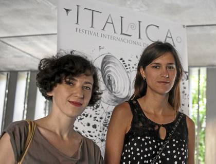 Bárbara Sánchez y Raquel Campuzano presentaron ayer 'La satisfacción del capricho' en Diputación. (J. M. ESPINO. ATESE)