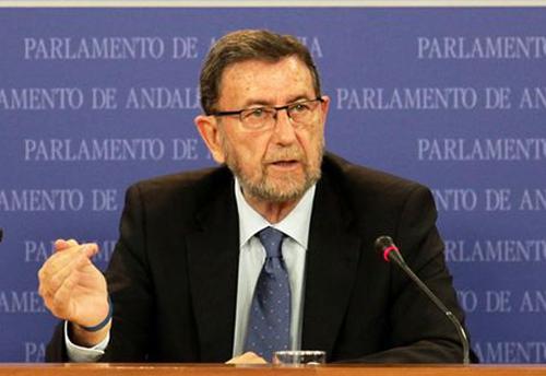 Manuel Gracia durante su rueda de prensa.