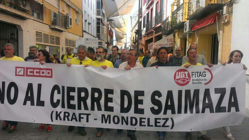Manifestación de trabajadores de Saimaza por las calles de Dos Hermanas. / UGT