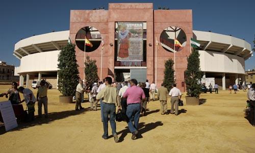La plaza de toros de Utrera fue inaugurada en 2010. / Javier Díaz