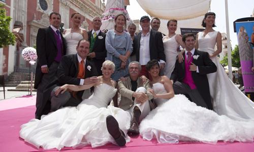 La Cubana ha presentado en la Plaza de El Salvador de Sevilla su nuevo espectáculo 'Campanadas de boda'. / J.M. Espino (ATESE)
