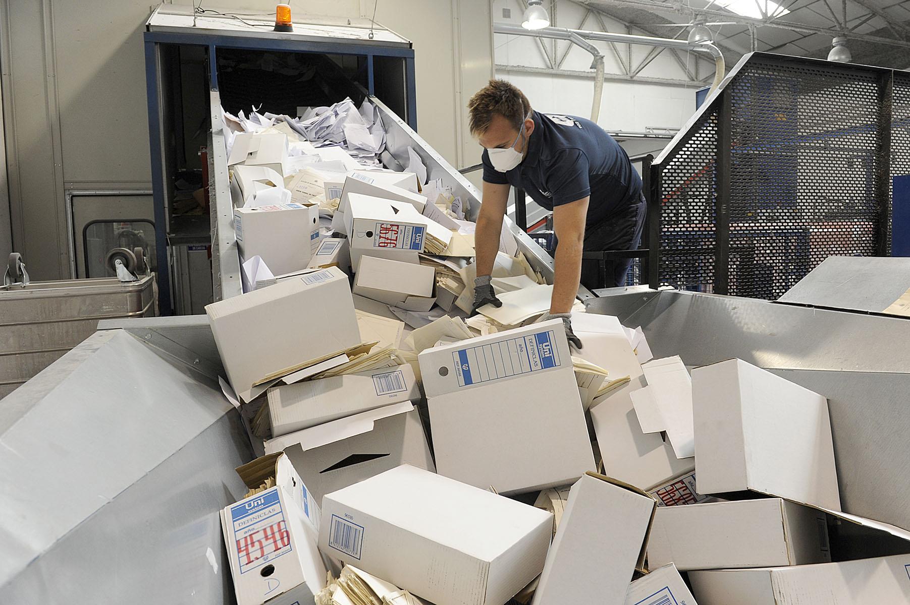 Los documentos deben ser destruidos por empresas especializadas