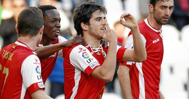 Jairo celebra un gol.