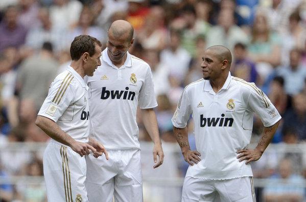 Butragueño, Zidane y Roberto Carlos, en el último partido de las leyendas madridistas.