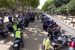 Protesta en la Alameda de Hércules contra la construcción de un parking. / Foto: J. M. Paisano (Atese)