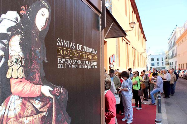 Colas en la exposición. / José Carlos Cruz (Atese)