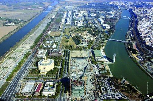 Vista aérea del parque tecnológico Cartuja. / El Correo