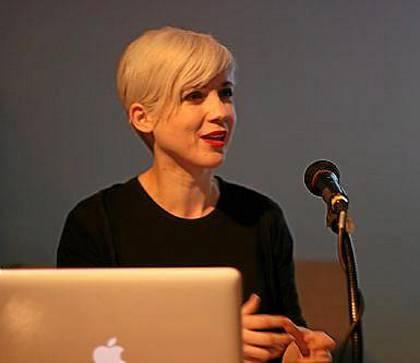 Remedios Zafra relaciona las nuevas tecnologías con cuestiones de identidad y género.