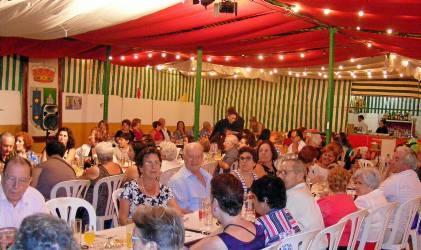 La Feria de la localidad sevillana de Gines arranca con la prueba del Alumbrado.