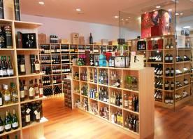 Nueva tienda especializada en vinos licores y gourmet for Muebles rodero