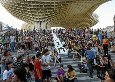 Una democracia más participativa es una de las principales reivindicaciones del movimiento ciudadano 15M.