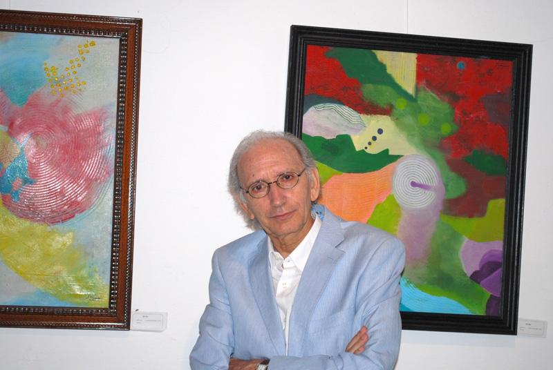 José Luis Alonso de Santos posa en Carmona antes del inicio del curso de verano del que es director.