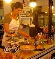 Inés Delgado, entre galletas dulces y saladas.