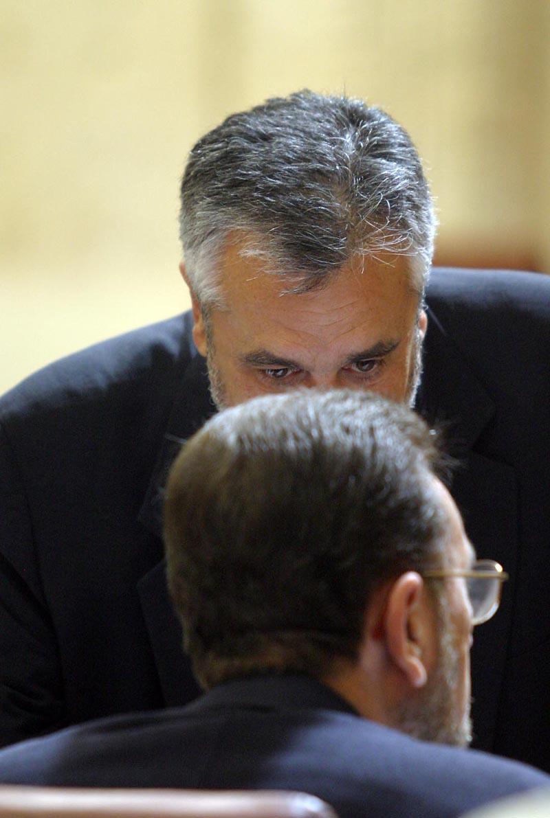El presidente José Antonio Griñán habla con Manuel Gracia.