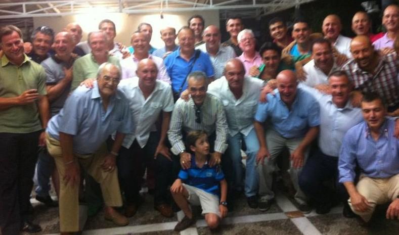 Los juveniles campeones de Copa del Betis celebran el 30 aniversario de su título