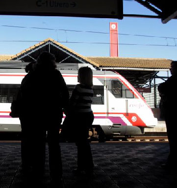 El crimen se produjo en la estación de trenes de Lora.
