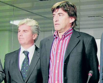 Antonio Sánchez Pino, junto a Miguel Guillén / El Correo