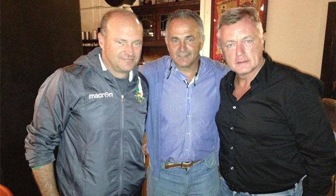 Pepe Mel, Rafael Gordillo y Peter Barnes, el sábado / Real Betis