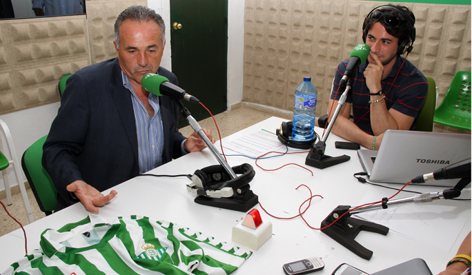 Rafael Gordillo interviene en un programa de Radio Betis / Real Betis