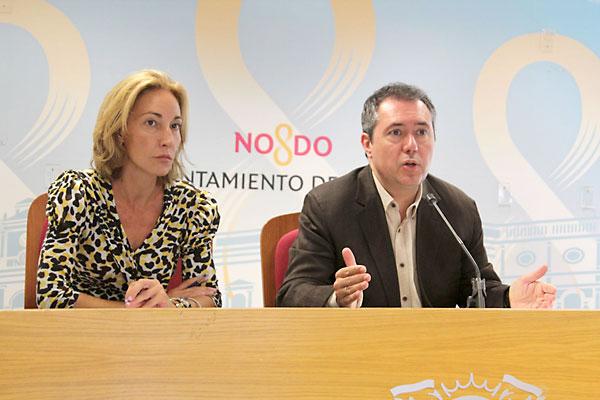Rueda de prensa ofrecida hoy por el portavoz Juan Espadas y la concejala Susana López.