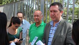 visita realizada hoy por Juan Espadas a Triana para analizar el plan de tráfico para el distrito Triana y defender la peatonalización de la calle Betis.