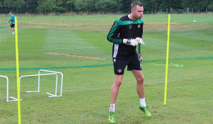 Anderse, durante el entrenamiento (Real Betis)