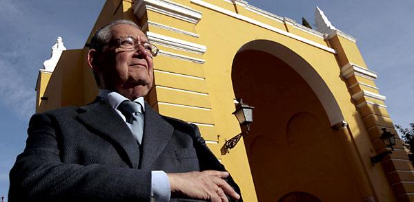 Manuel García, hermano mayor de la Macarena. / Javier Díaz