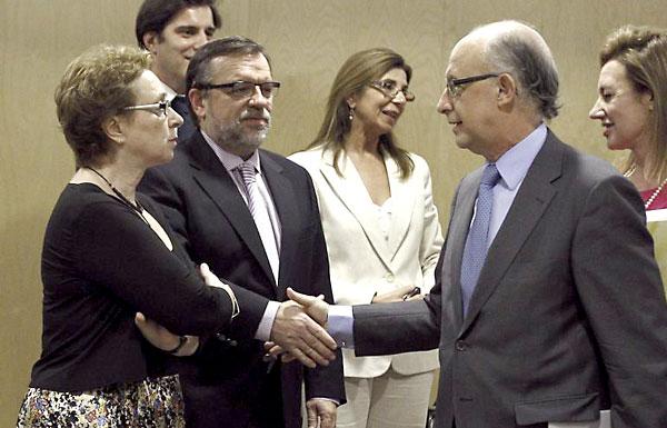 La consejera de Hacienda, Carmen Martínez Aguayo, frente al ministro Cristóbal Montoro.