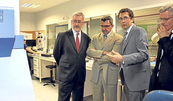 Antonio Ávila y Antonio Gutiérrez Limones visitaron ayer las instalaciones de Novembal.