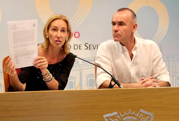 Los concejales socialistas Antonio Muñoz y Susana López.