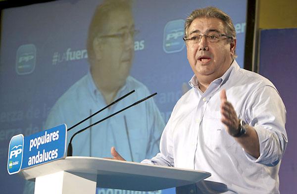 El presidente del PP-A, Juan Ignacio Zoido, durante la clausura de la Escuela de Verano de los populares andaluces que se celebra en El Rompido (Cartaya-Huelva). / EFE